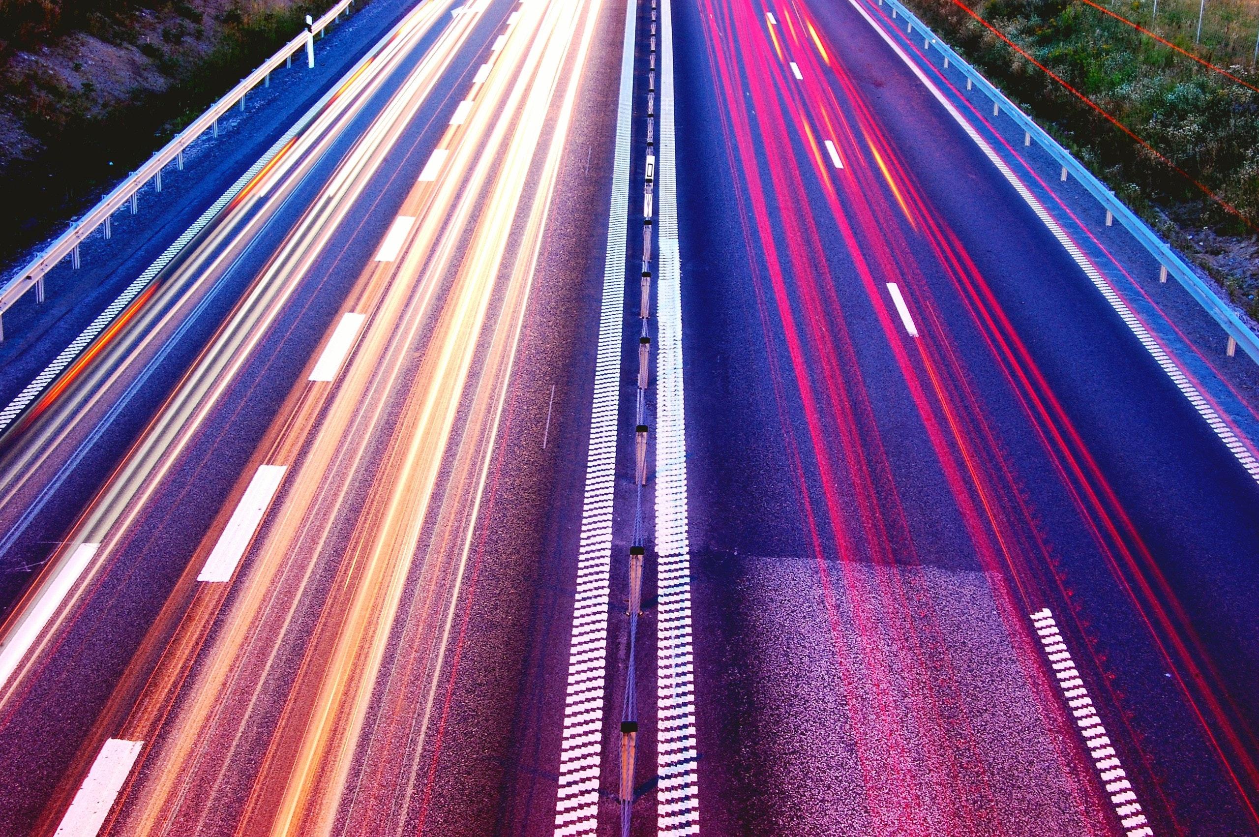 Forum Vies Mobiles : Mobilités décarbonées, une transition mal engagée
